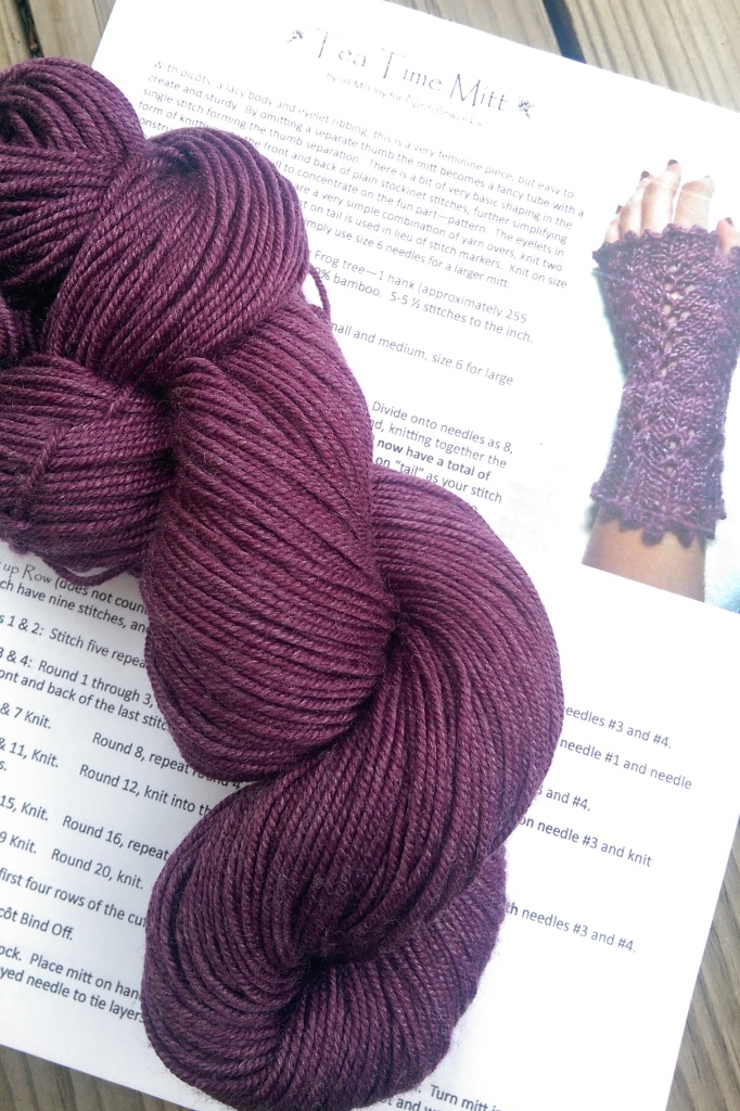 Yarn and mitt pattern